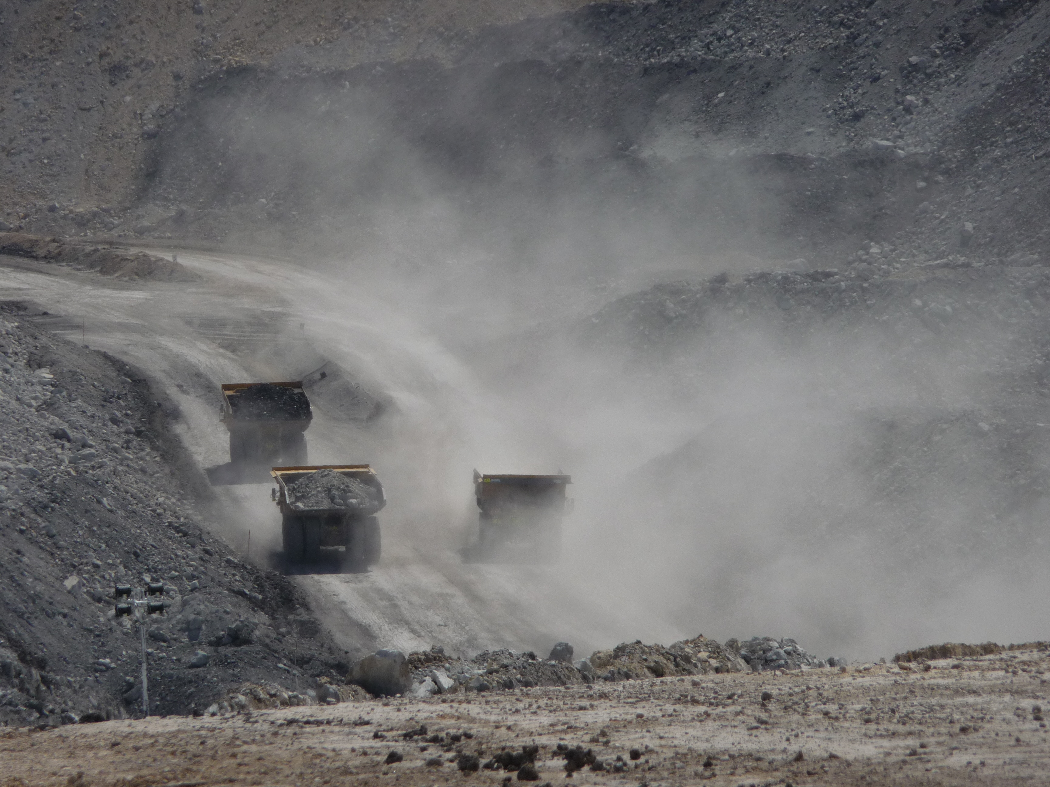 Haul trucks are the nemesis of dust safety in mine sites.